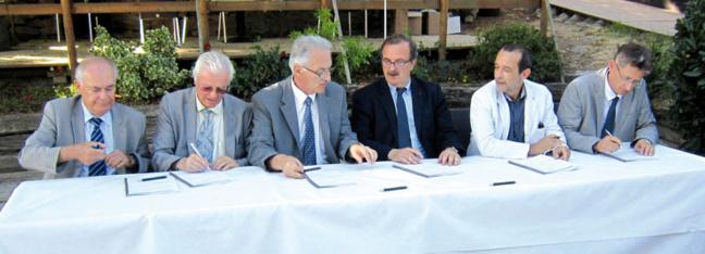 De gauche à droite : Georges Barriol (Vice-Président du Conseil général du Rhône), Alain Lagarde ( Président de la Fédération du Rhône pour la pêche et la protection du milieu aquatique), Paul Minssieux (Président du Comité de rivière du Garon), Jean-François Carenco (Préfet coordonnateur de bassin Rhône Méditerranée), Jean-Charles Kohlhaas (Conseiller Régional Rhône-Alpes), Nicolas Chantepy (Délégué régional Rhône-Alpes de l'Agence de l'eau Rhône Méditerranée Corse).