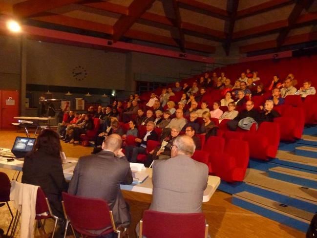 Plus de 70 personnes étaient présentes à la première réunion publique à Brignais.