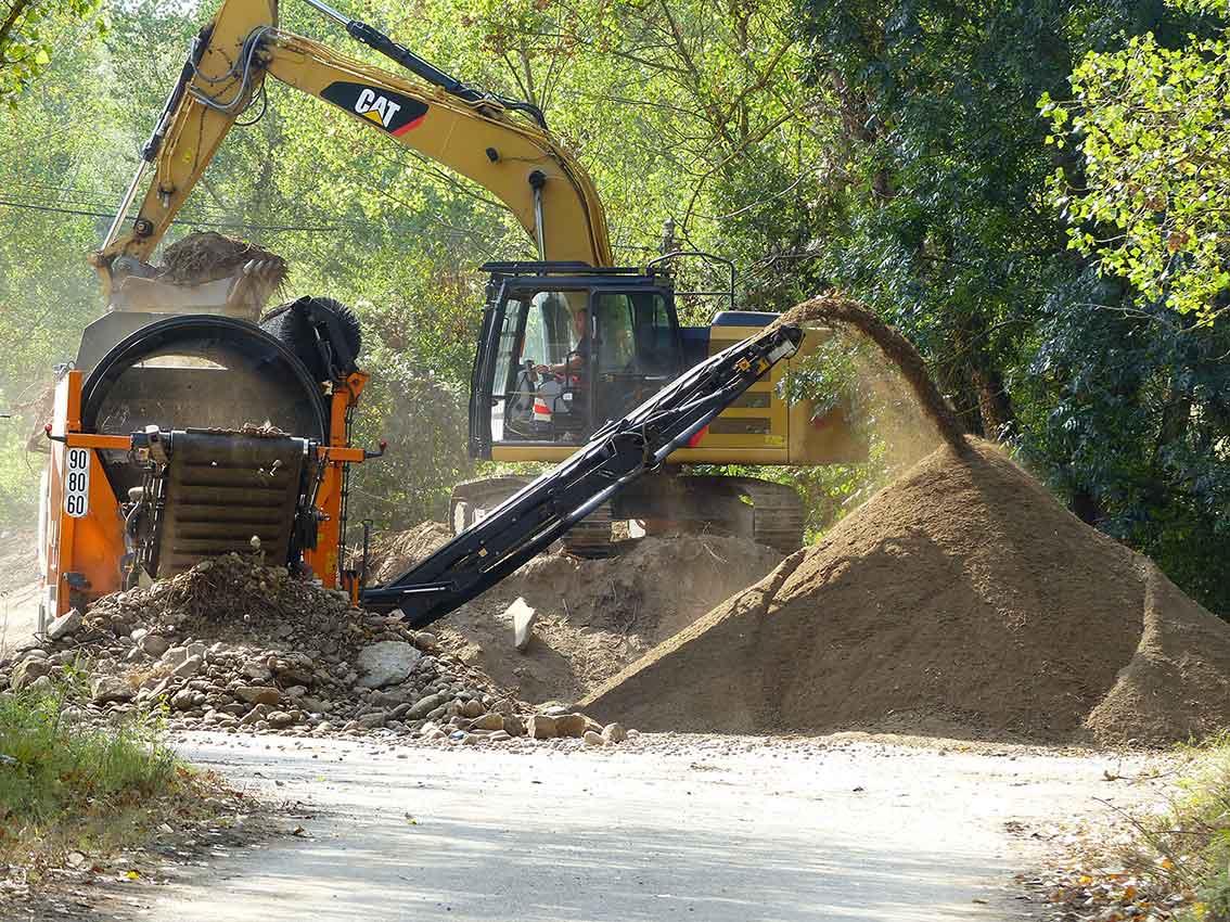 650 m3 ont été tamisés dans un trommel permettant de séparer la terre des galets et des racines.