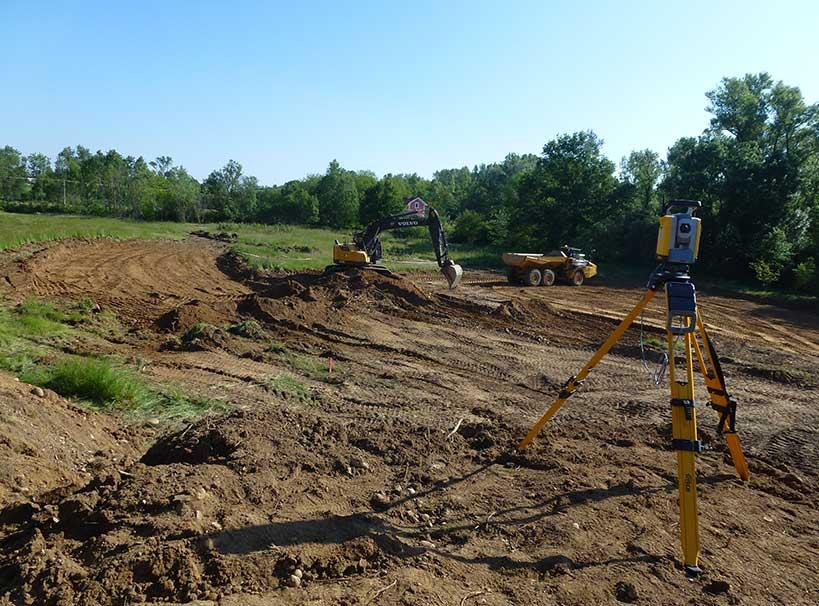 Le terrassement du futur lit du Garon a débuté en mai 2019.